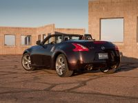 2010 Nissan 370Z Roadster, 18 of 20