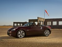 2010 Nissan 370Z Roadster, 2 of 20