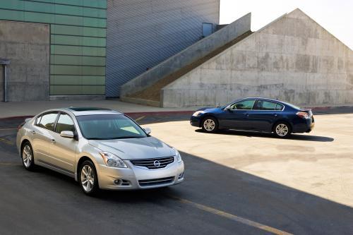 2010 Nissan Altima получит новый облик и особенности