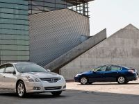 2010 Nissan Altima Sedan, 2 of 50