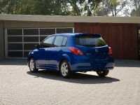 2010 Nissan Versa, 4 of 35