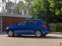 2010 Nissan Versa, 3 of 35