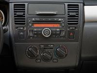 2010 Nissan Versa, 34 of 35