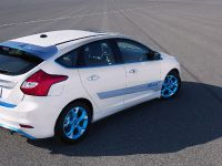 2010 Personalization Ford Focus, 2 of 4