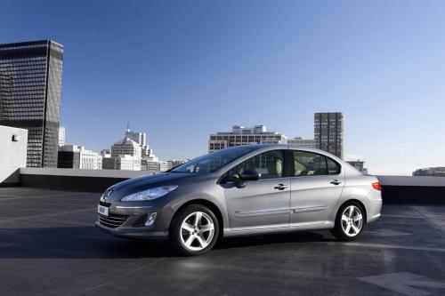 Peugeot дебютирует новый 408 в пекинском автошоу