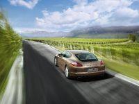thumbnail image of 2010 Porsche Panamera 4