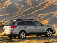 2010 Subaru Outback, 13 of 16