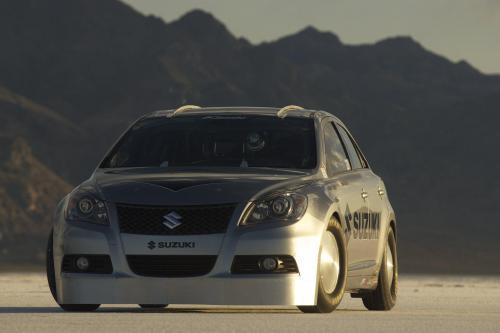 Suzuki Kizashi превысил барьер в 200 миль в час в Bonneville Salt Flats