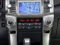 2010 Toyota 4Runner Limited, 23 of 29