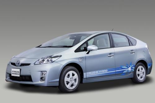 Toyota Представляет Prius Plug-In Hybrid