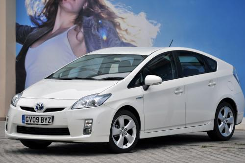 Toyota Prius преимущества от обновления безопасности вариант