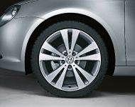 2010 Volkswagen Eon Exclusive - Light-alloy wheel