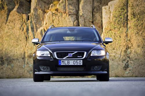 2010 Volvo V50 [15 фотографий автомобиля]