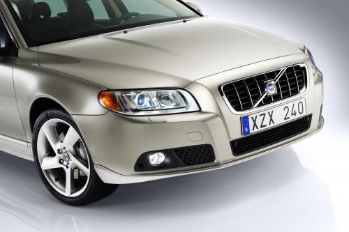 2010 Volvo V70 [27 фотографий автомобиля]