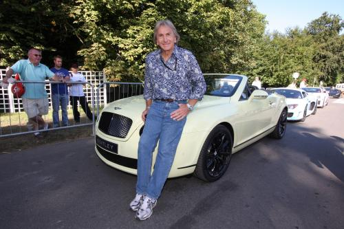 2011 Bentley Continental Supersports Convertible flex мышцы в Гудвуде