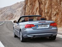 2011 BMW 3 Series Convertible, 3 of 22