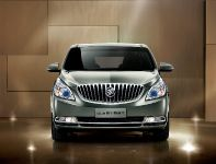 2011 Buick GL8, 2 of 28