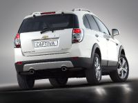 2011 Chevrolet Captiva, 2 of 2