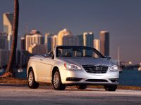 2011 Chrysler 200 Convertible, 3 of 27