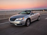 2011 Chrysler 200 Convertible, 13 of 27