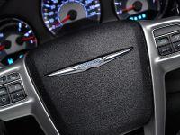 2011 Chrysler 200 Convertible, 25 of 27