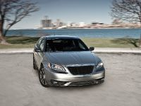 2011 Chrysler 200 S sedan, 2 of 4