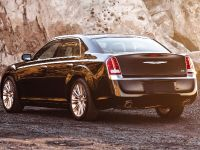 2011 Chrysler 300, 14 of 41