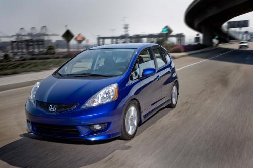 2011 Honda Fit получает больше значение и extras