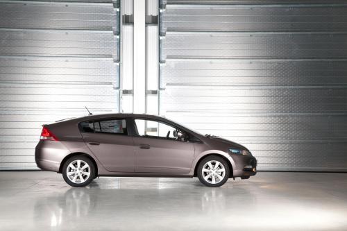 2011 Honda Insight улучшена для Великобритании