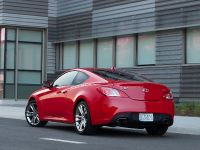 2011 Hyundai Genesis Coupe 3.8 R-Spec, 7 of 14