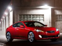 2011 Hyundai Genesis Coupe 3.8 R-Spec, 9 of 14