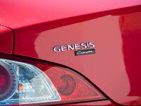 2011 Hyundai Genesis Coupe 3.8 R-Spec, 11 of 14