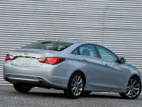 2011 Hyundai Sonata 2.0T, 7 of 11