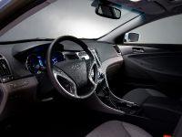 2011 Hyundai Sonata Hybrid, 13 of 16