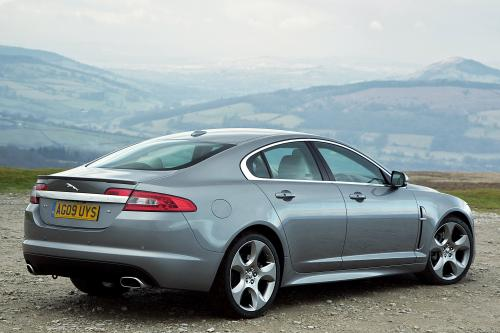 Jaguar представлена MY2011 XF line-up