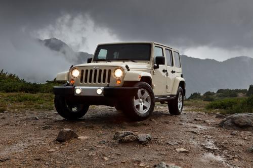 Jeep Wrangler и Wrangler Unlimited похвастаться большим новые возможности для 2011 года
