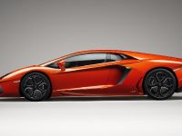 2011 Lamborghini Aventador LP700-4, 4 of 12
