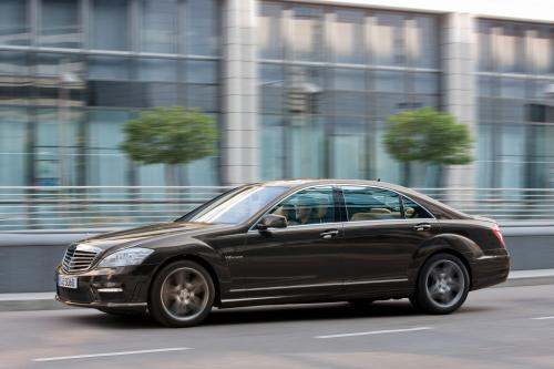 Mercedes-Benz S63 AMG - The ultimate high-performance седан