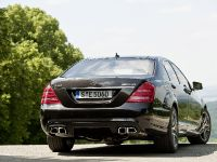 2011 Mercedes-Benz S 63 AMG, 18 of 23