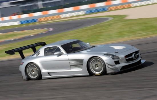 Mercedes-Benz SLS AMG GT3 track testing
