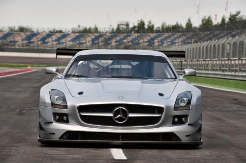 Mercedes-Benz SLS AMG GT3 хиты ипподроме в феврале 2011 года