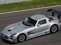 2011 Mercedes-Benz SLS AMG GT3 track testing, 3 of 7