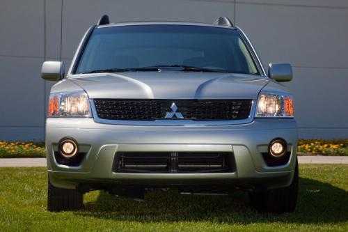 2011 Mitsubishi Endeavor - 5 звезд безопасности по отличной цене