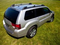 2011 Mitsubishi Endeavor, 3 of 10