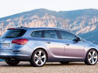 2011 Opel Astra Sports Tourer, 9 of 12