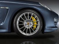 2011 Porsche Panamera 4S Sport Design, 2 of 3