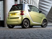 2011 Smart ForTwo Lightshine Edition, 4 of 15