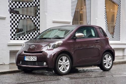 2011 Toyota iQ получит новый интерьер и Euro5 электростанций