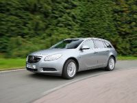 thumbnail image of 2011 Vauxhall Insignia Sports Tourer