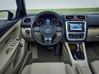 2011 Volkswagen Eos, 2 of 13